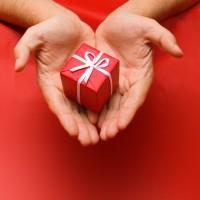 «Молодежный центр» дарит подарки!