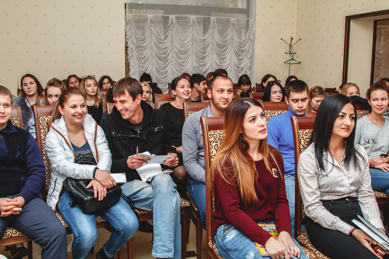 16 и 17 ноября в Краснодаре специалисты г. Новороссийска приняли участие в Школе КВН.