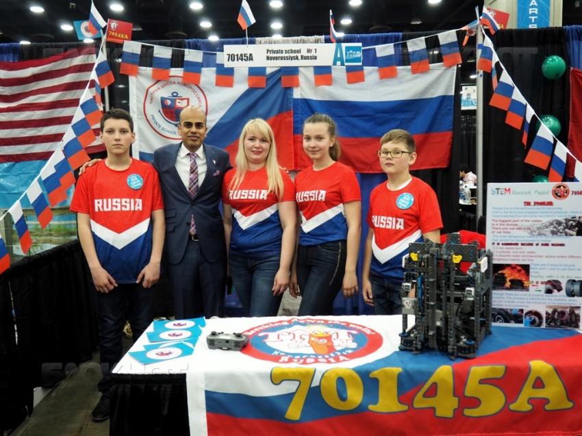 Новороссийский робот Сеня был признан в Америке «самым-самым»
