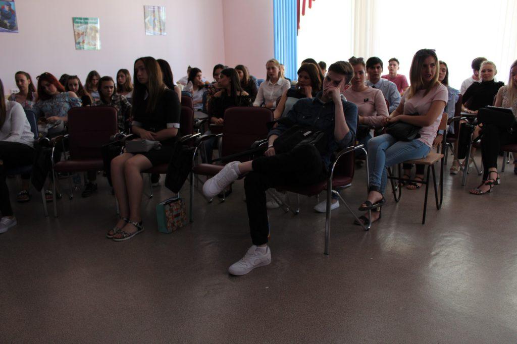Образовательный курс «Создай свой логотип» подарил будущим молодым предпринимателям возможность сэкономить