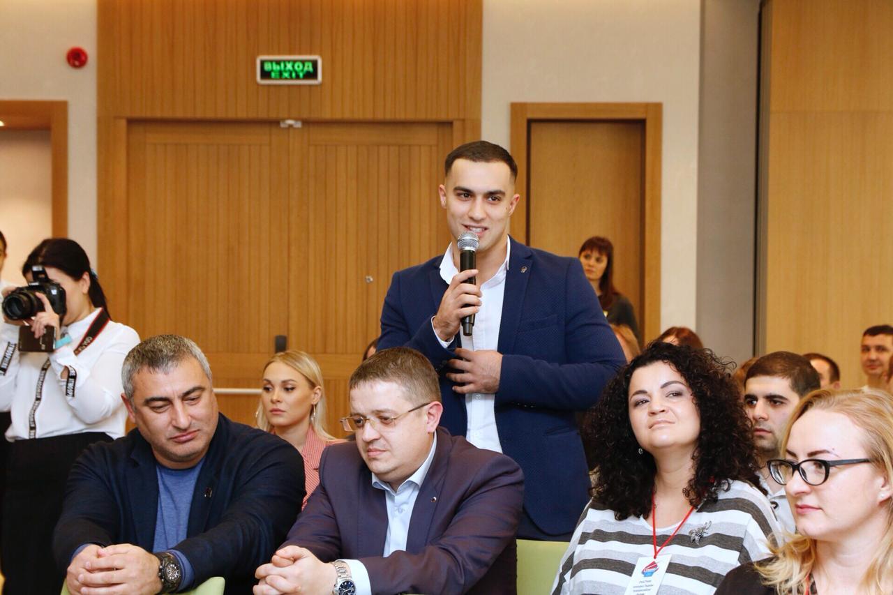 По инициативе молодежного совета прошла встреча с главой и с победителями конкурса «Лидеры Новороссийска».