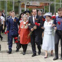 В канун Дня Победы губернатор Вениамин Кондратьев встретился с ветеранским активом и молодежью.