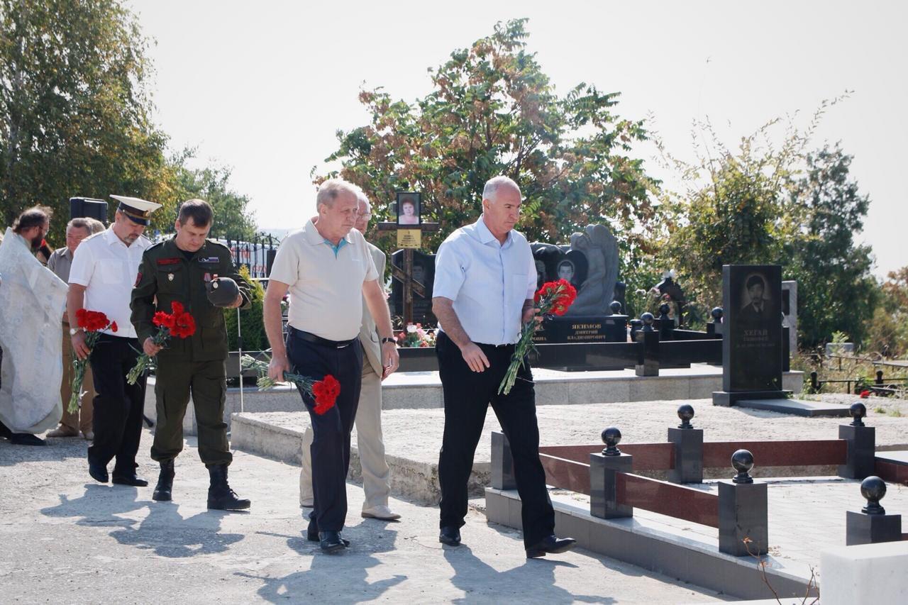 Ритуал-перезахоронение останков воинов-защитников города Новороссийска